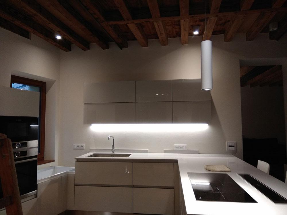 Lampadari isola cucina lusso illuminazione cucina soggiorno design